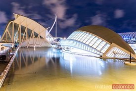 Spain, Valencian community, Valencia. The City of Arts and Sciences (Ciudad de las Artes y las Ciencias), the Hemispheric at dusk