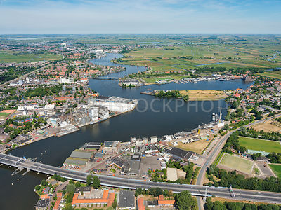 Netherlands, Zaanstad, the Zaan and the Kuil seen from the A8 at the Bridge over the Zaan. The Zaan is a watercourse obtained by embankment between Oost- and Westknollendam in the north and the Zaandam.