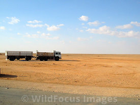 041024C-058-Toilet_Stop_on_road_to_Tobruk