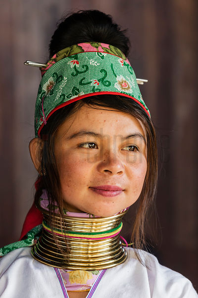 Portrait of a Padaung Woman Mu Lai (26)