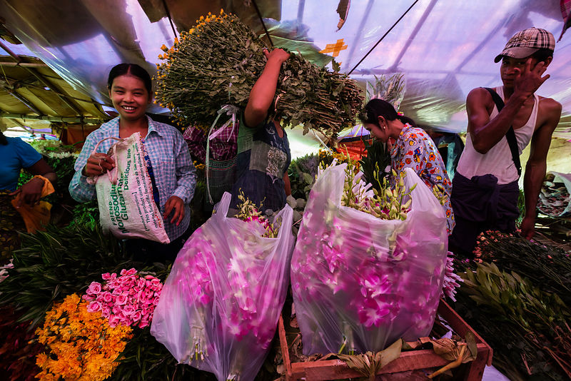 Flower Sellers at Thirimingalar Wholesale Fruit & Vegetable Market