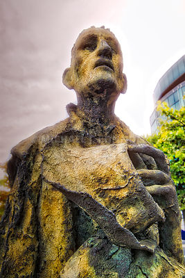 Famine Memorial, Man With Hat- Dublin, Ireland