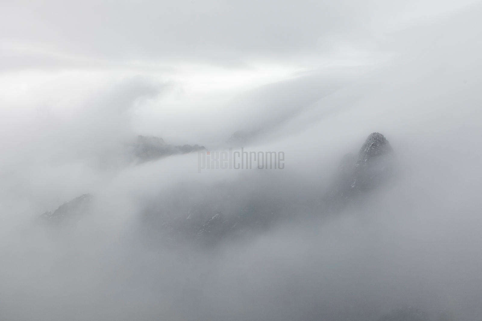 Mountain View in Heavy Cloud