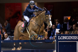 Bordeaux, France, 3.2.2018, Sport, Reitsport, Jumping International de Bordeaux - LONGINES FEI WORLD CUP™ JUMPING. Bild zeigt Cameron HANLEY (IRL) riding Eis Isaura (5*)...3/02/18, Bordeaux, France, Sport, Equestrian sport Jumping International de Bordeaux - LONGINES FEI WORLD CUP™ JUMPING. Image shows Cameron HANLEY (IRL) riding Eis Isaura (5*).