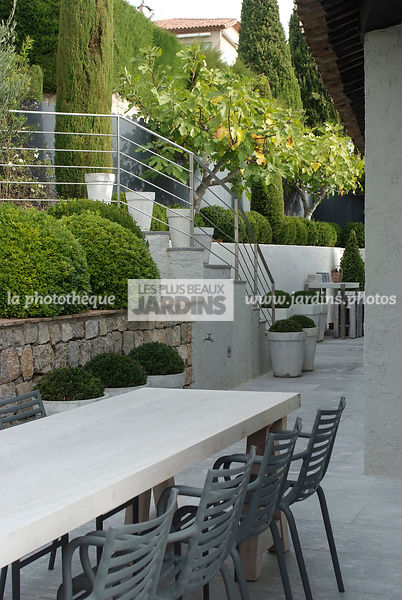 la phototh que les plus beaux jardins fauteuil pip e par philippe starck conception et. Black Bedroom Furniture Sets. Home Design Ideas