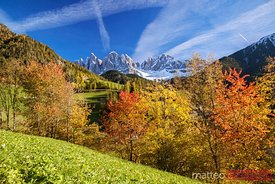 Valley in the italian mountains, with colors of autumn