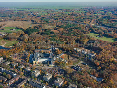305359 | Hilversum, area Monnikenberg, with the Hospital Tergooi.
