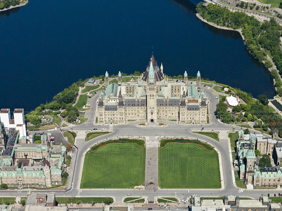 Aerial photo canadian parliament for Building a house in ontario