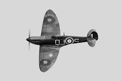 Spitfire Mk 1 R6596 QJ-S BW version
