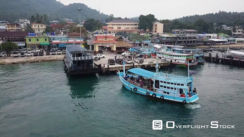 Mae Haad Pier Drone Video Ko Tao, Ko Phangan District, Surat Thani, Thailand