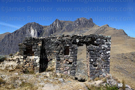 Inti Punku / Sun Gate, a small Inca temple near Ollantaytambo, Sacred Valley, Peru