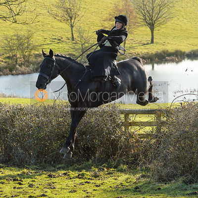 The Cottesmore Hunt at Priory Farm 30/1 photos