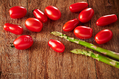 Tomatoes_Exclusive Photo