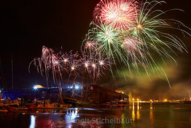 The Bridge 2017 - Saint-Nazaire le 24/06/2017 - Feu d'artifice au dessus du bassin