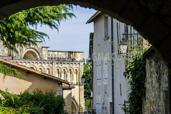 Aubeterre-sur-Dronne - Saint-Jacques photos