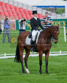 Anna Warnecke (GER) and Twinkle Bee - Dressage