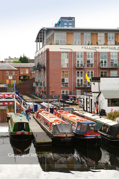 Sherborne Wharf apartments and canals, Birmingham, West Midlands, England, UK