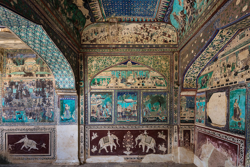 "Exquisite Artwork in the ""Bundi Style"" at the Privately-owned Bundi Palace"