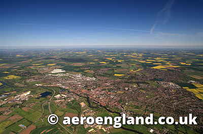 aerial photograph of Newark-on-Trent Nottinghamshire England UK