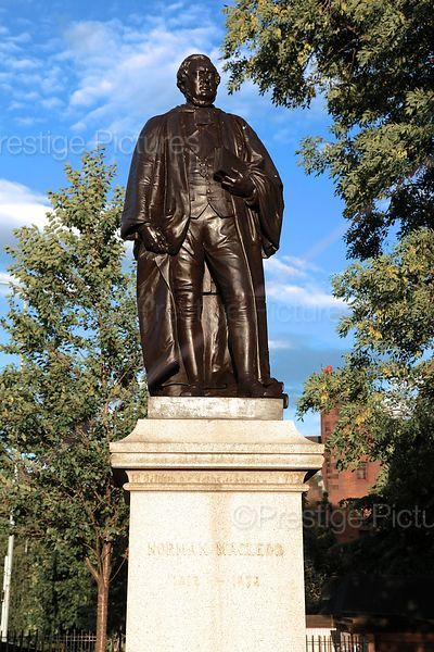 Statue of Rev Dr Norman Macleod 1812-1872