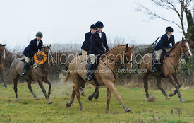 The field leaving the meet at Betts Barn