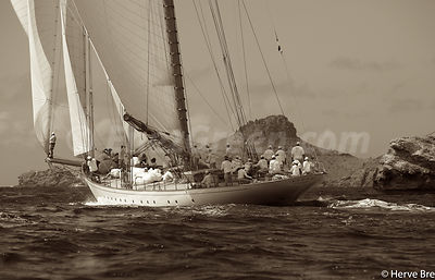 Elena sailing St Barthelemy blue water