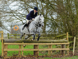 Maz Medcalf jumping a hunt jump at Pickwell Manor 21/12
