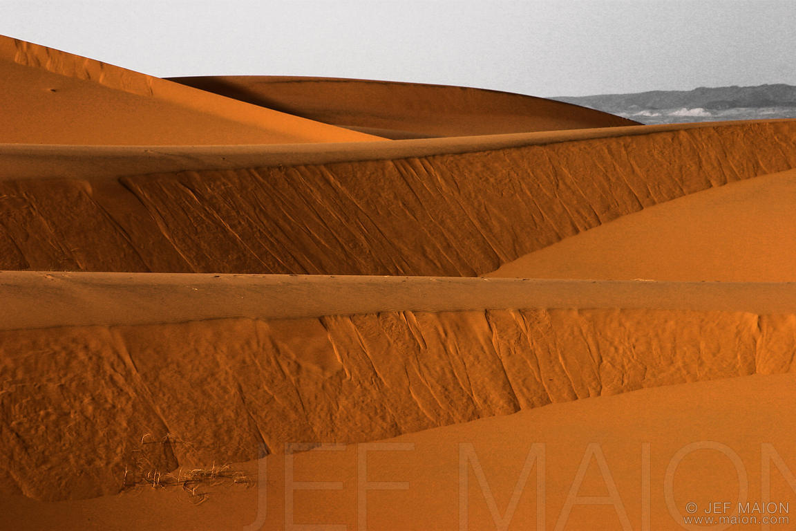 Dunes and lines