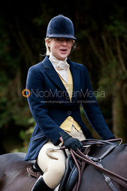 Philippa Holland - The Quorn Hunt at Centaur Stud, Cold Newton 18/11/11.