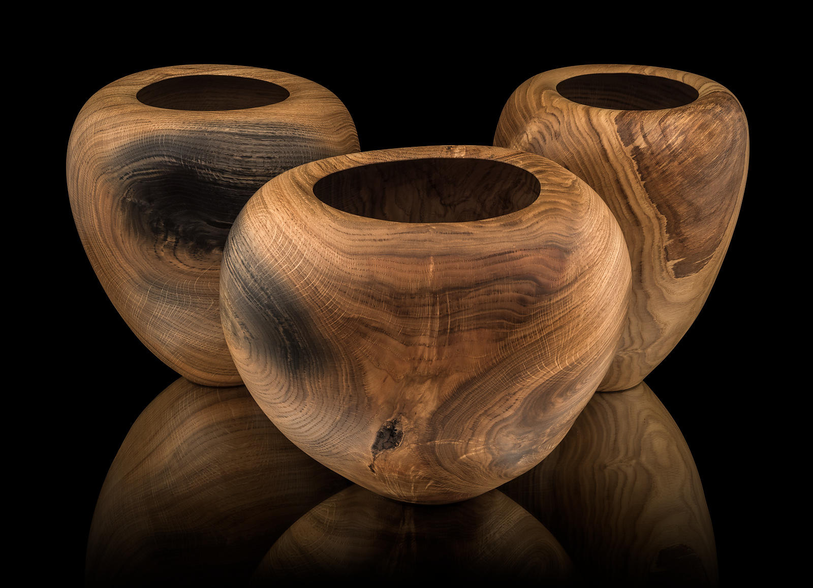 Bowls in Oak, diameter 230 – 350 mm, height 275 – 290 mm