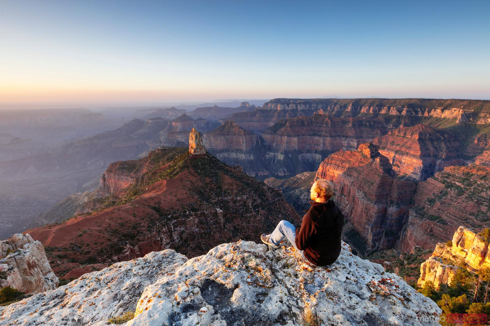 Tourist at the Grand Canyon, Arizona, USA