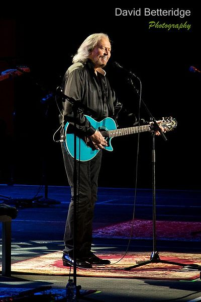 Barry Gibb - LG Arena 21.09.13  photos