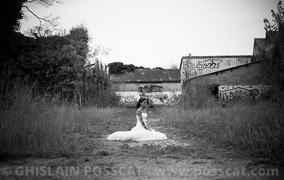 Trash the dress black and white