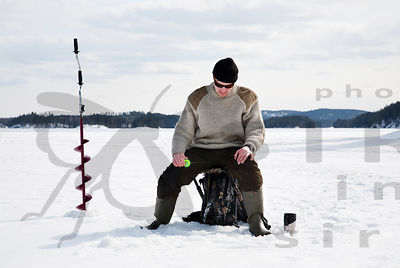 Ice Fishing in Etelä-Konnevesi