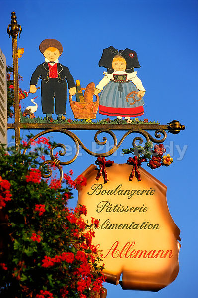 FRANCE, ALSACE, ENSEIGNE//FRANCE, ALSACE, SHOP SIGN