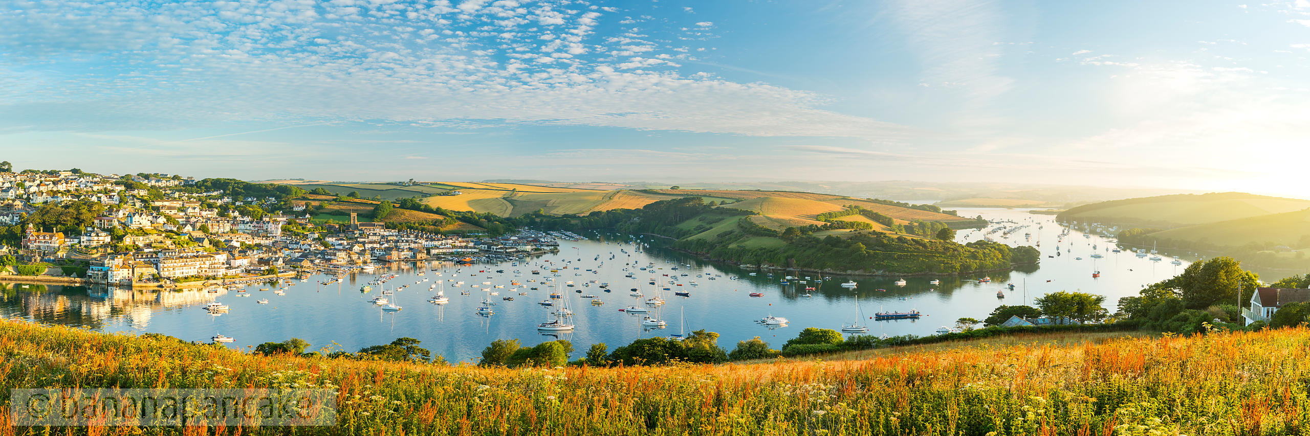 BP6300 - Panoramic view of Salcombe and the Kingsbridge Estuary at dawn
