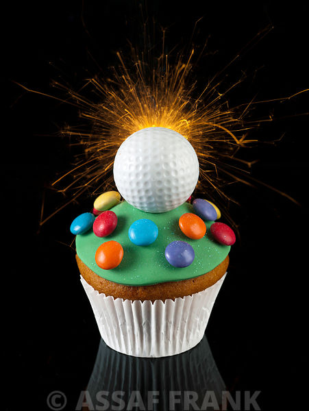 Cupcake with golf ball