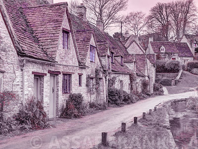 Old cottage in Bibury, Cotswold, UK