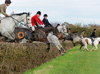 The Belvoir Hunt at Colston Bassett 23/11 photos