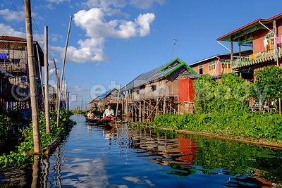 BIRMANIE, LAC INLE, NAM PAN//Myanmar, Inle Lake, Nam Pan Village