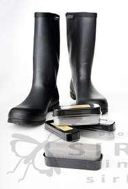 Rubber boots and rubber protector against UV-light