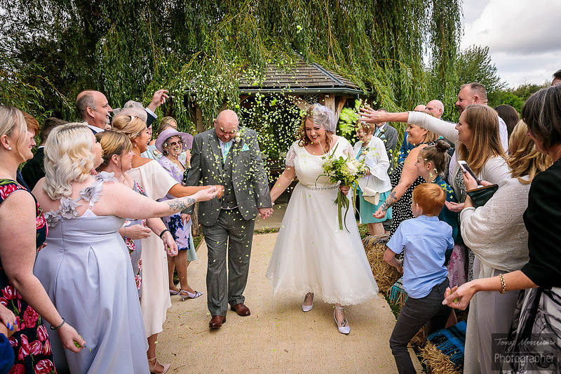 Wedding at Skipbridge Country Weddings, Skipbridge Inn Farm, Green Hammerton, York, Yorkshire, UK
