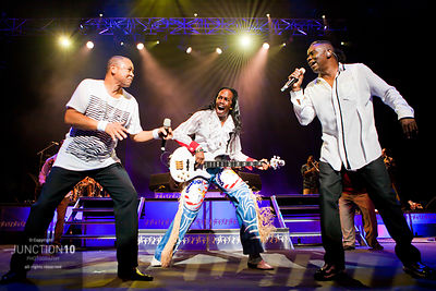 100-0389 Earth, Wind and Fire
