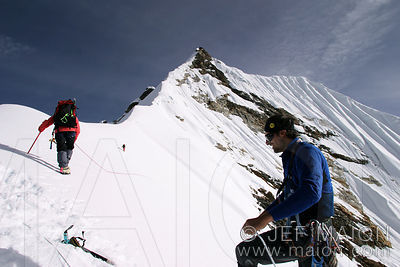 Alpinists close to Kongde Ri´s summit