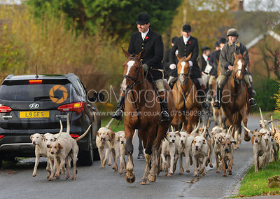 The Meynell and South Staffs Hunt at Brook Cottage, Boylestone 8/11 photos