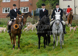Dean Cripps, Shaun Cripps, Russell Cripps - The Cottesmore Hunt meet at Oak House, Tilton On The Hill, Saturday 31st October 2015.