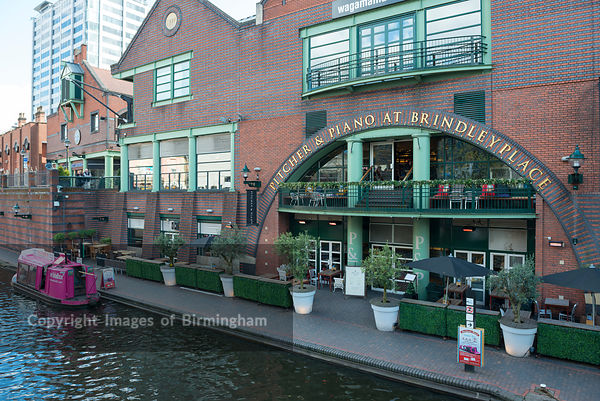 The Waterfront buildings, Brindleyplace, Birmingham. The Pitcher and Piano.