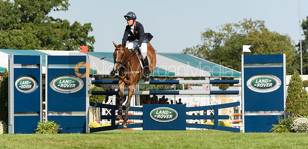 Pippa Funnell and MAJAS HOPE, showjumping phase, Land Rover Burghley Horse Trials 2018