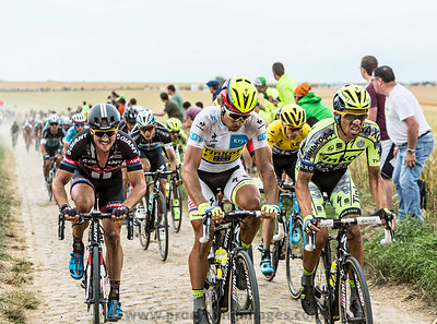 The Fight on the Cobblestones - Tour de France 2015