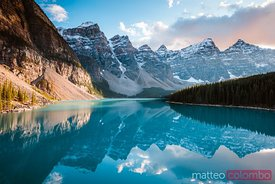 Moraine lake at sunset, Banff, Canada